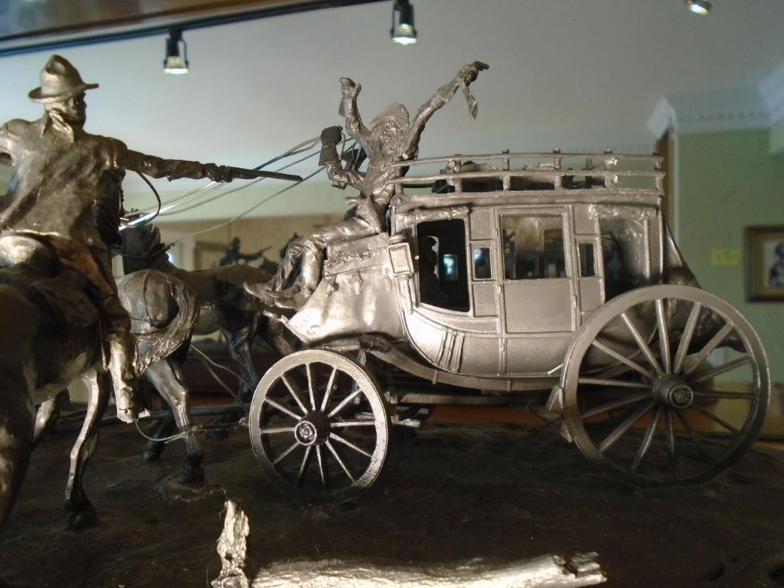 Hold Up Stagecoach with horses and figures Bronze - 5