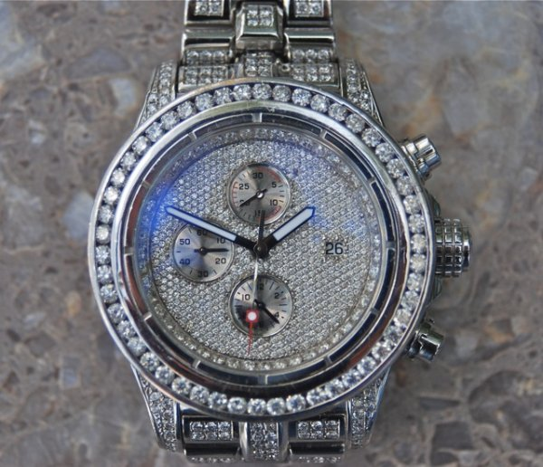 11: Breitling Super Avenger With 27.5cts of Diamonds