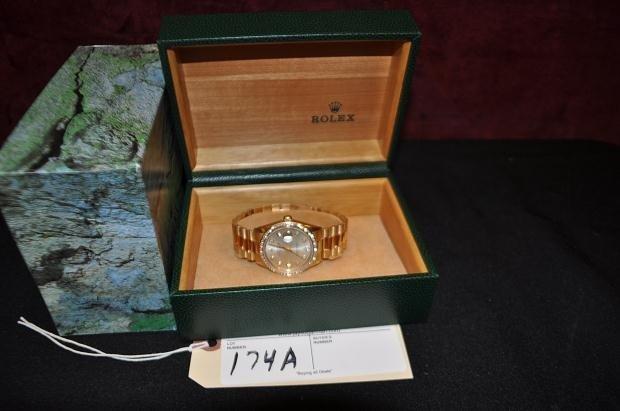 174A: MENS ROLEX 18K DIAMOND BEZEL OYSTER