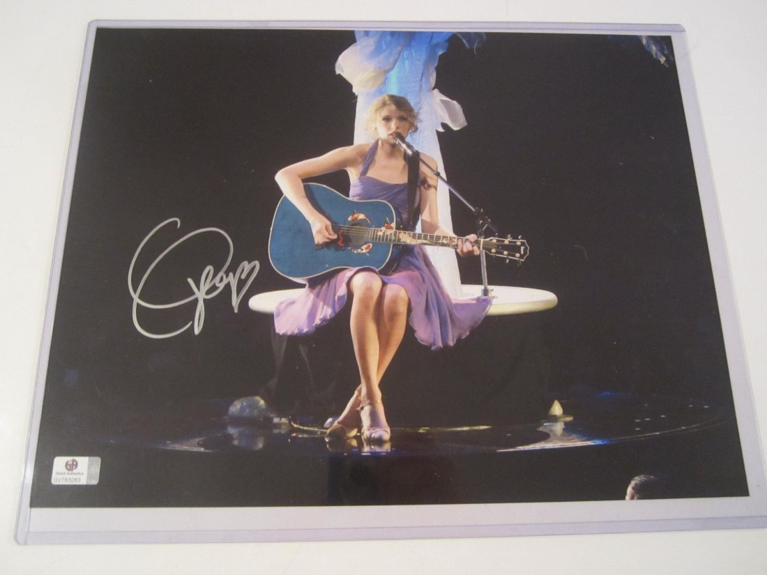 Taylor Swift Signed Photo