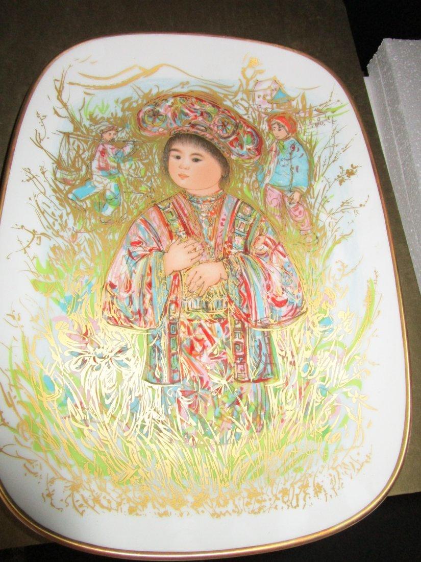Edna Hibel - Caro Kun Limited edition plate
