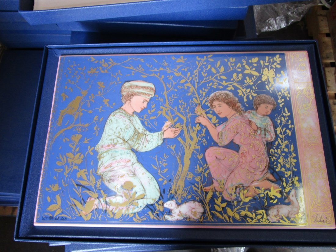 Porcelain plaque with box - limited edition - 3000