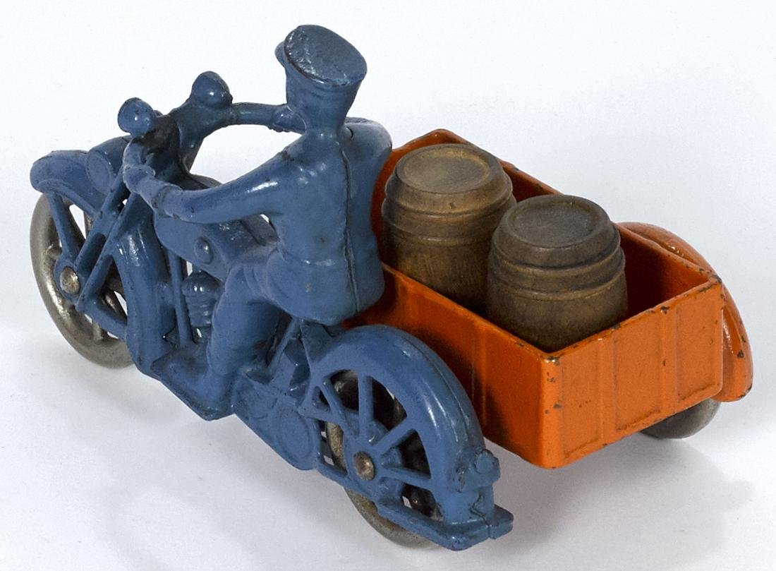 Kilgore cast iron delivery motorcycle with a sidecar, - 2