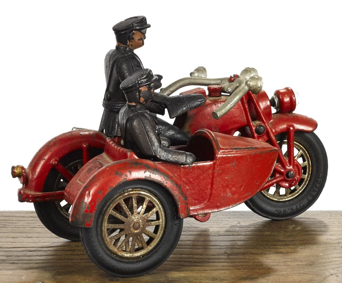 Hubley cast iron motorcycle and sidecar with a battery - 2