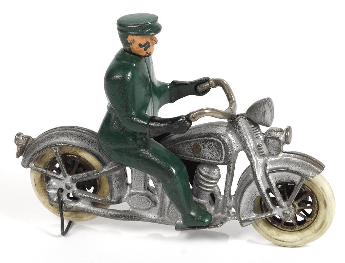 Rare Kilgore cast iron police motorcycle, 6 1/2'' l.