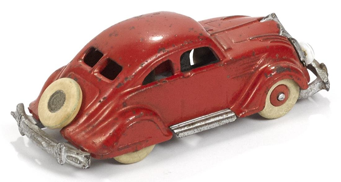 Hubley cast iron Chrysler Airflow with battery-powered - 2