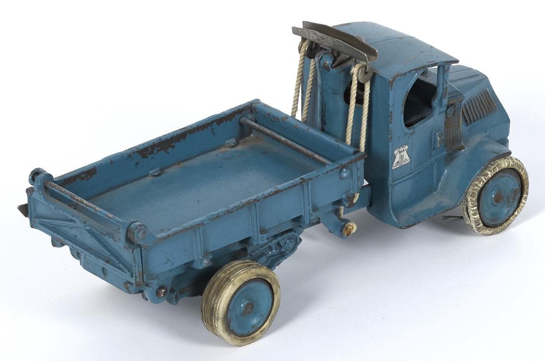 Arcade cast iron Mack T-bar dump truck with a - 2