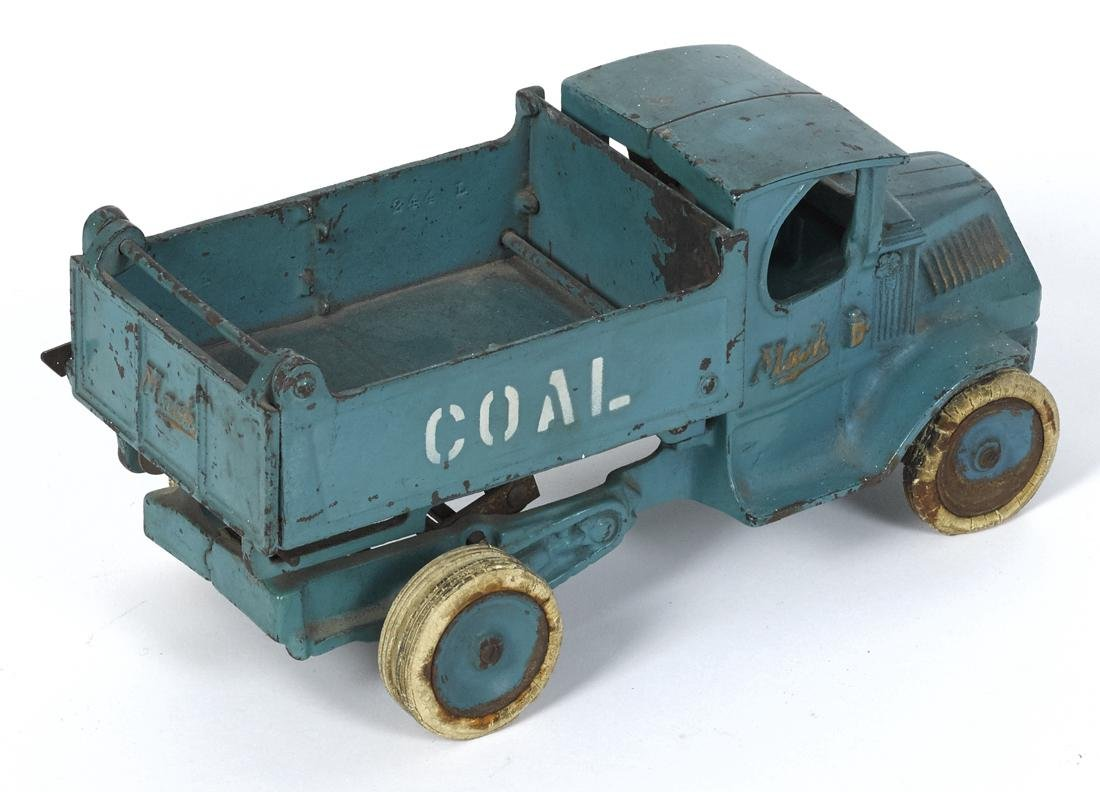 Arcade cast iron Mack Coal scissor dump truck, in a - 2