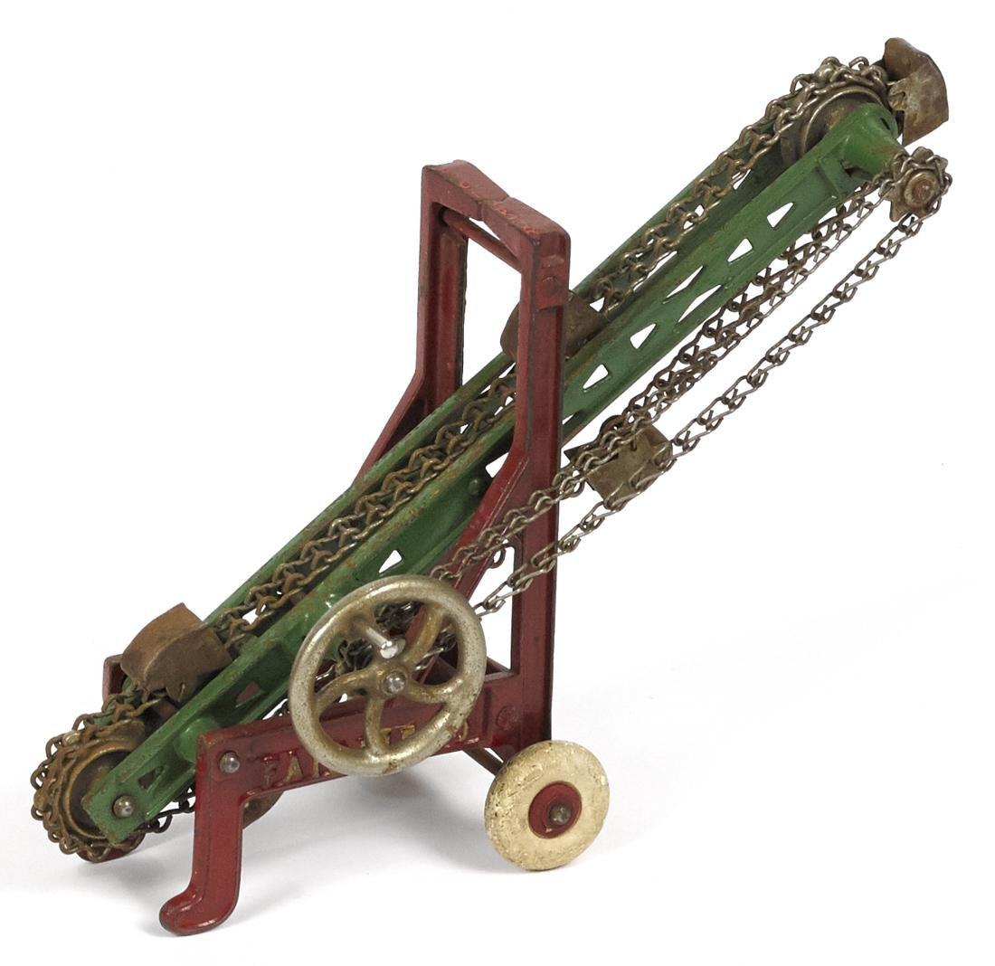 Kenton cast iron Fairfield loader, 6 3/4'' h. - 2