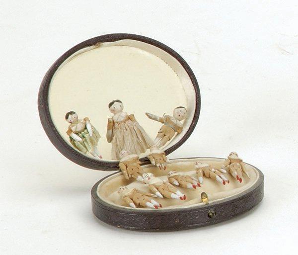9: Lot: 10 Miniature Peg Wooden Dolls