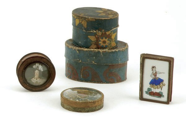 148: Lot: 2 Early Hat Boxes and 3 Glass Top Boxes