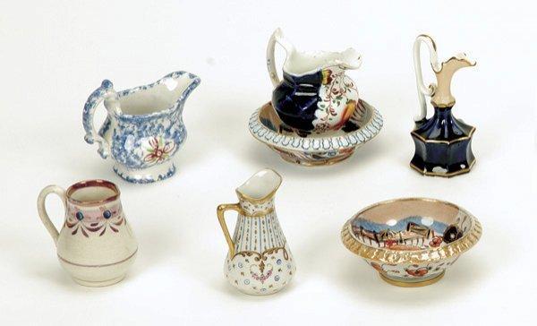 686: Lot: 7 Miniature Pitchers and Bowls