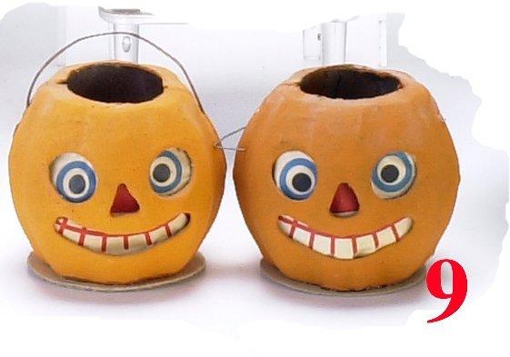 9: Lot: 2 Miniature Jack-O'-Lanterns