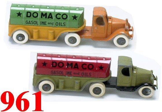 961: Lot: 2 Tootsietoy Domaco Oil trucks