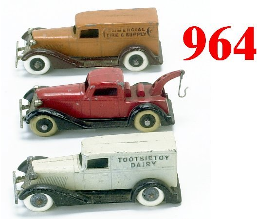 964: Lot: 3 Tootsietoy Graham Trucks