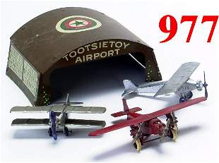 Lot: Tootsietoy Airport with 3 planes