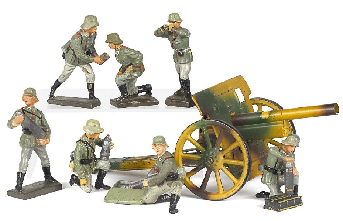 Lineol camouflage painted field gun soldiers