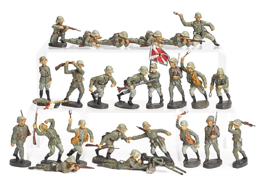 Elastolin painted composition soldiers