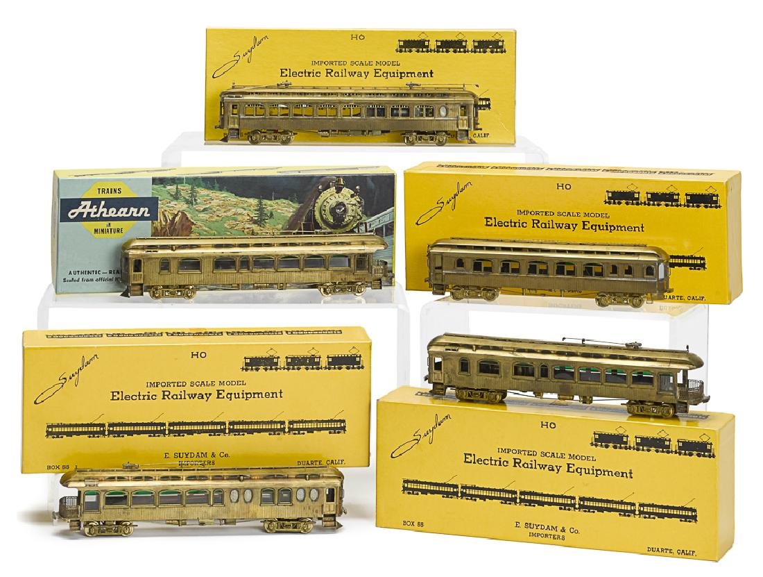 Five brass HO train cars