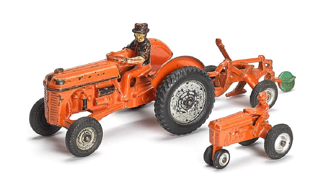 Arcade cast iron Ford 9n farm tractor