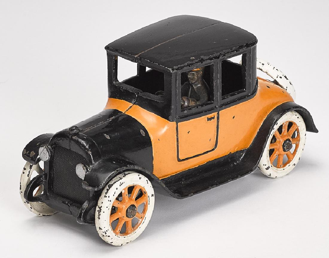 Arcade cast iron Dodge 1922 coupe