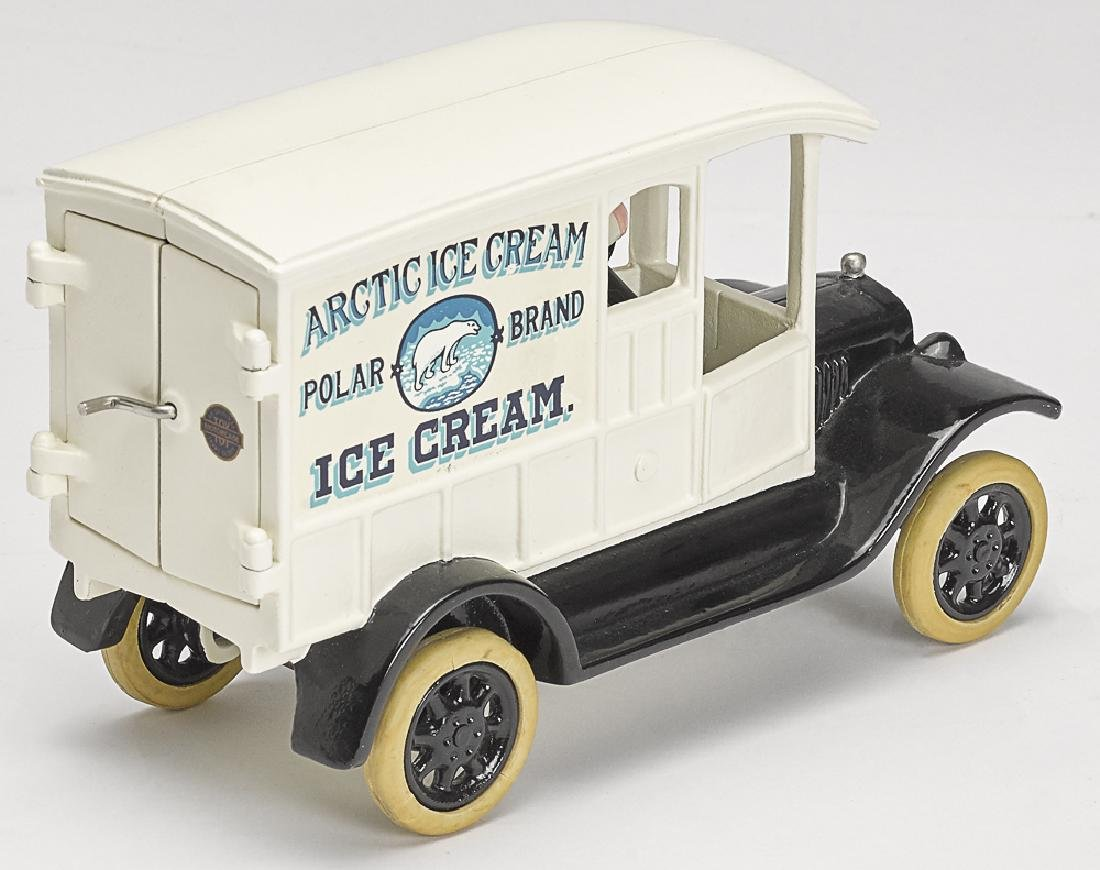 Motorcade cast iron 1923 Model T Ford Artic truck