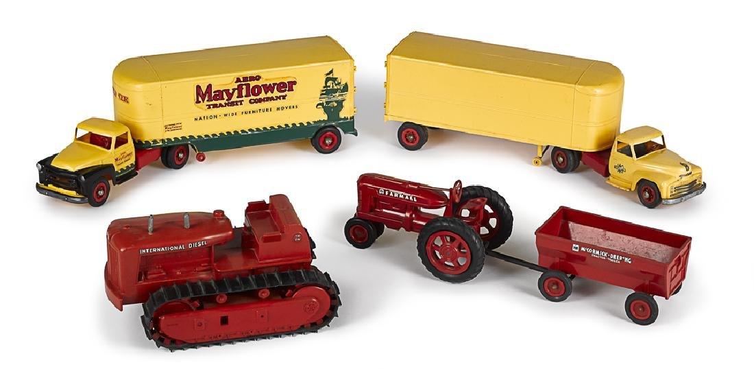 Two Product Miniatures plastic tandem moving truc