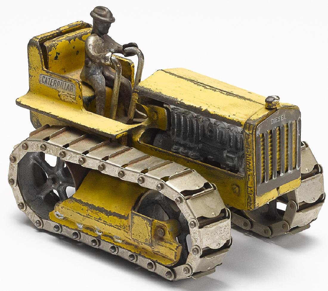 Arcade cast iron Caterpillar Diesel tractor