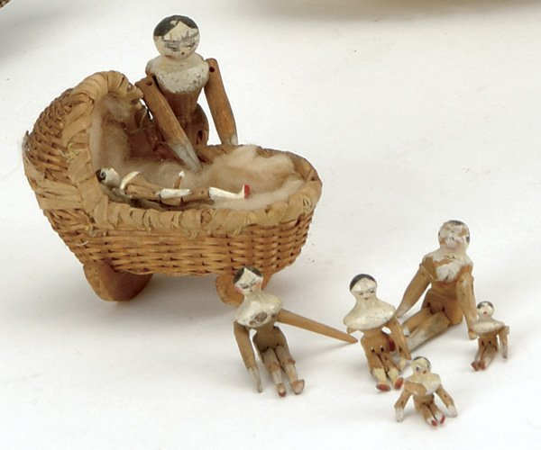 15: Lot: 2 Tiny Tuck Comb Dolls in Wicker Cradle and 6