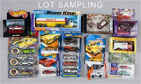 Large group of Matchbox and Hot Wheels cars