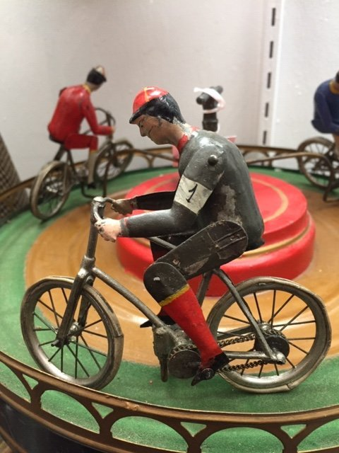 French painted tin clockwork bicycle race toy - 3