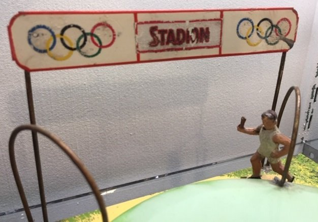 Doll & Cie Olympic Stadium relay race steam toy - 5