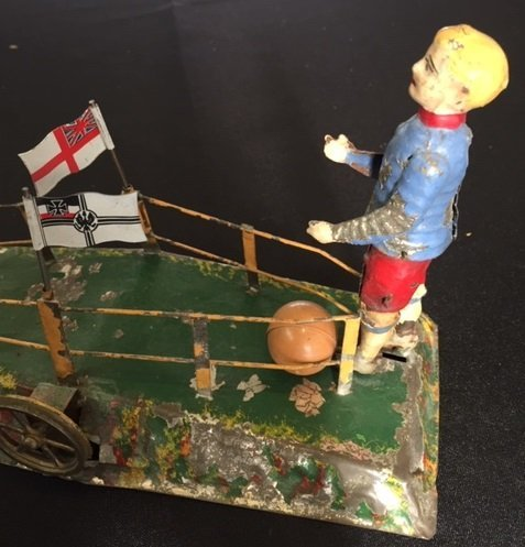 Painted tin soccer players steam toy accessory - 3