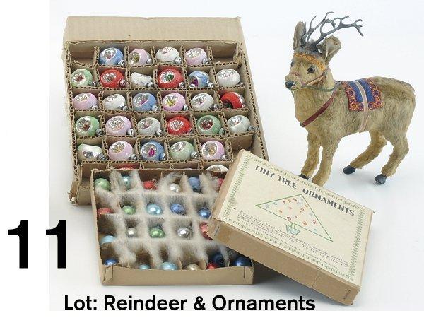 11: Lot: Reindeer & Ornaments