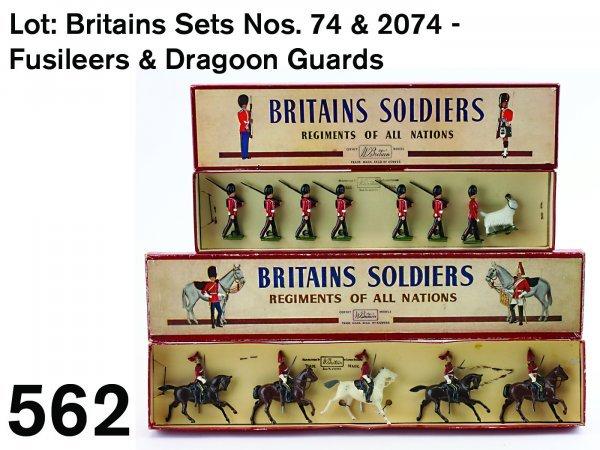 562: Lot: Britains Sets Nos. 74 & 2074 - Fusileers & Dr