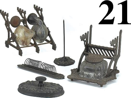 21: Lot: 5 Desk Accessories Used on Wards Depot Desk