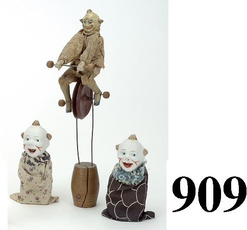 909: Lot: Clown Unicyclist & 2 squeakers