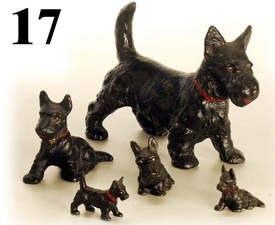 17: Lot: 5 Hubley Scotty Dogs