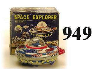 Space Explorer with box