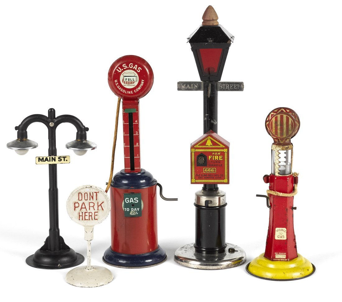 Street lamps and gas pumps, to include a Mohawk