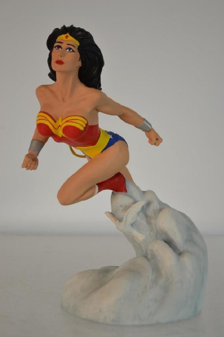 1995 D C Comics Hand Painted Wonder Woman Figure