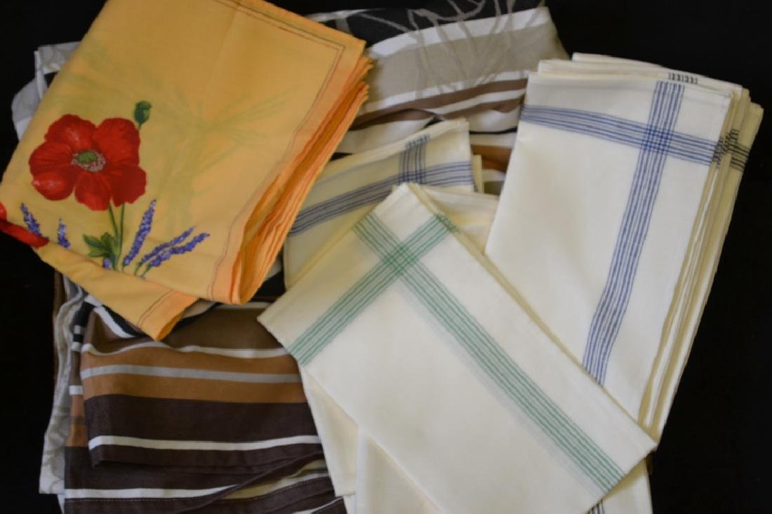 Moutet French Tablecloths & Linen Grouping