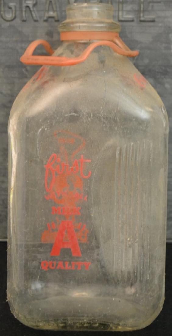 Early 20th C Milk Box, Graysbill's Dairy - 4
