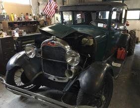 1928 Ford, Model A (Green Paint)