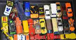 Grouping of Hot Wheels and Matchbox Cars Approx 30