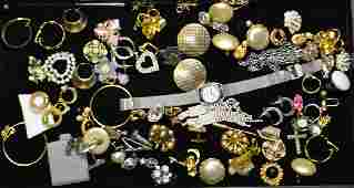 Costume Jewelry Grouping Grouping of earrings of