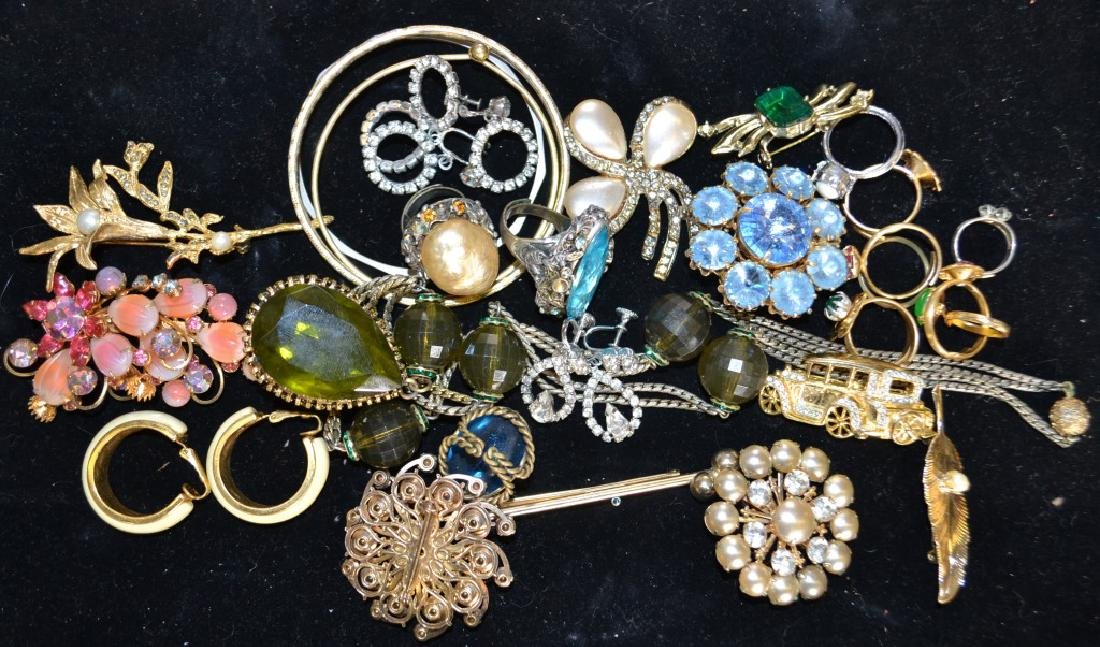 Brooch and Necklace Grouping