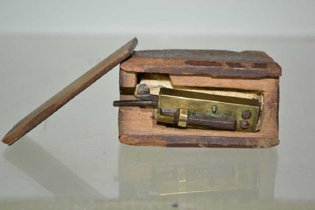 Early 19th Century Medical Bleeder in Case - 2