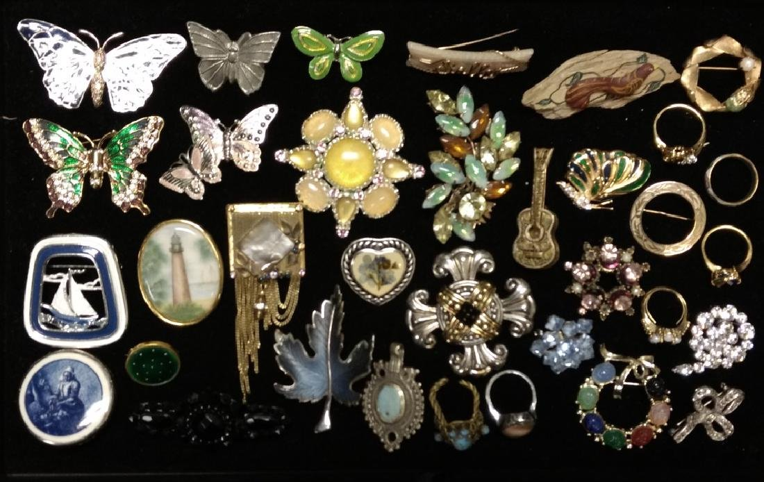 Vintage Brooch Grouping