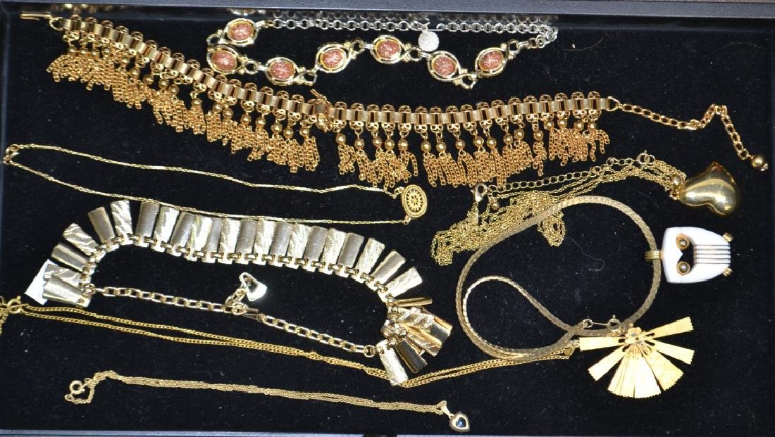 Grouping of Necklaces